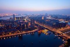 Noite de Rotterdam fotos de stock royalty free