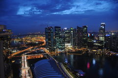 Noite de Singapore Imagens de Stock