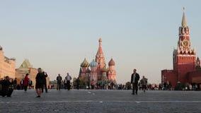 Noite do Kremlin de Moscou do panorama, Rússia video estoque