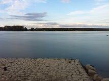 Noite do por do sol em Zemun no rio Danúbio fotografia de stock royalty free