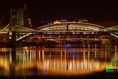 A noite do rio da cidade Imagem de Stock