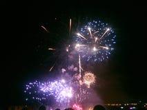 Noite do st dos fogos-de-artifício fotografia de stock