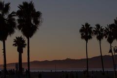Noite do verão sobre a costa oeste em Venice Beach, Califórnia imagens de stock royalty free