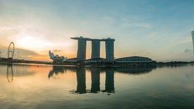 Noite e dia, vista panorâmica maravilhosa da cidade de Singapura vídeos de arquivo