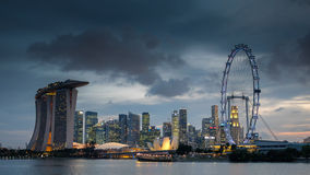 Noite em Marina Bay fotografia de stock royalty free