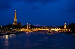 Noite em Paris imagem de stock royalty free