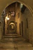 A noite em ruas de Jerusalem Fotografia de Stock Royalty Free