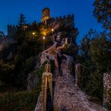 Noite em São Marino fotos de stock royalty free