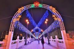 a noite em Sha Tin Festive Lighting fotos de stock