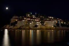 Noite moonlit de Sveti Stefan Imagens de Stock