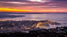 Noite na baía de Trieste foto de stock