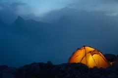 Noite nas montanhas de Cáucaso Imagens de Stock