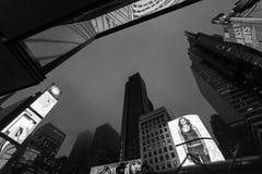 Noite New York City fotos de stock