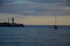 Noite no beira-mar preto Fotos de Stock Royalty Free
