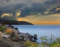 Noite no cabo Meganom, o Mar Negro, Crimeia fotografia de stock
