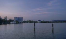 Noite no lago Imagens de Stock