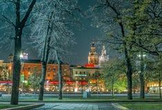 Noite no parque perto do teatro de Bolshoi Foto de Stock