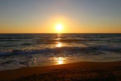 Noite pelo mar Fotos de Stock