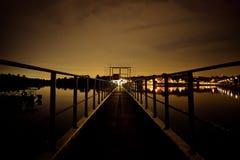 Noite surreal pelo reservatório foto de stock royalty free