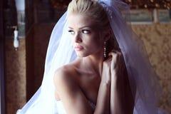 Noiva bonita na luz suave Fotografia de Stock