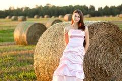 Noiva bonita no por do sol Fotografia de Stock