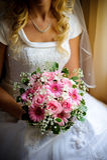 Noiva com flores. Fotografia de Stock Royalty Free