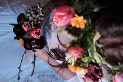 Noiva com flores Imagem de Stock