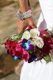 Noiva com Flowres Fotografia de Stock Royalty Free