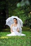Noiva com guarda-chuva Imagens de Stock Royalty Free