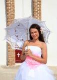 Noiva com guarda-chuva foto de stock royalty free