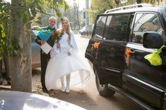 Noiva e noivo bonitos Imagem de Stock Royalty Free