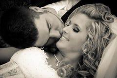 Noiva e noivo junto Fotografia de Stock Royalty Free