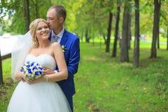 A noiva encontra o noivo Foto de Stock