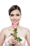Noiva feliz com um ramalhete das rosas Isolado no backgroun branco Fotos de Stock