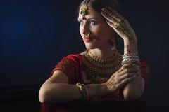 Noiva hindu pronta para a uni?o fotografia de stock royalty free