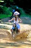 Noiva na bicicleta Imagens de Stock Royalty Free