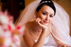 Noiva na cama Fotos de Stock