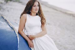 Noiva na natureza Fotos de Stock Royalty Free