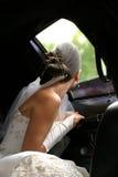 Noiva no carro Imagens de Stock