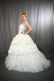 Noiva no vestido de casamento. Fotografia de Stock