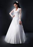 Noiva no vestido de casamento. Imagens de Stock Royalty Free