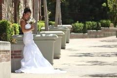 Noiva nova bonita em seu dia do casamento imagens de stock royalty free