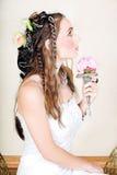 Noiva nova bonita no vestido de casamento Imagens de Stock Royalty Free