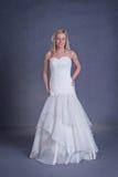 Noiva nova no vestido de casamento Fotos de Stock