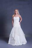 Noiva nova no vestido de casamento Fotos de Stock Royalty Free