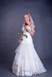 Noiva nova no vestido de casamento Imagens de Stock Royalty Free