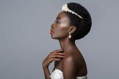Noiva preta bonita da pele foto de stock