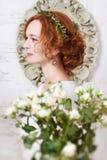 Noiva ruivo com bouqet 2 Imagem de Stock Royalty Free