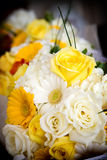 Noivas que wedding flores Fotos de Stock Royalty Free
