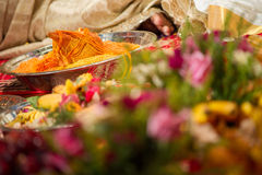 Noix de coco à une cérémonie de mariage indoue tamoule Images stock